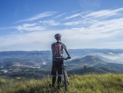 Best Mountain Bike Helmets Reviews and Buying Guide